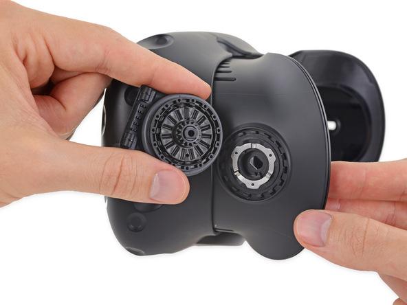 Шлем HTC Vive заработал у iFixit восемь баллов
