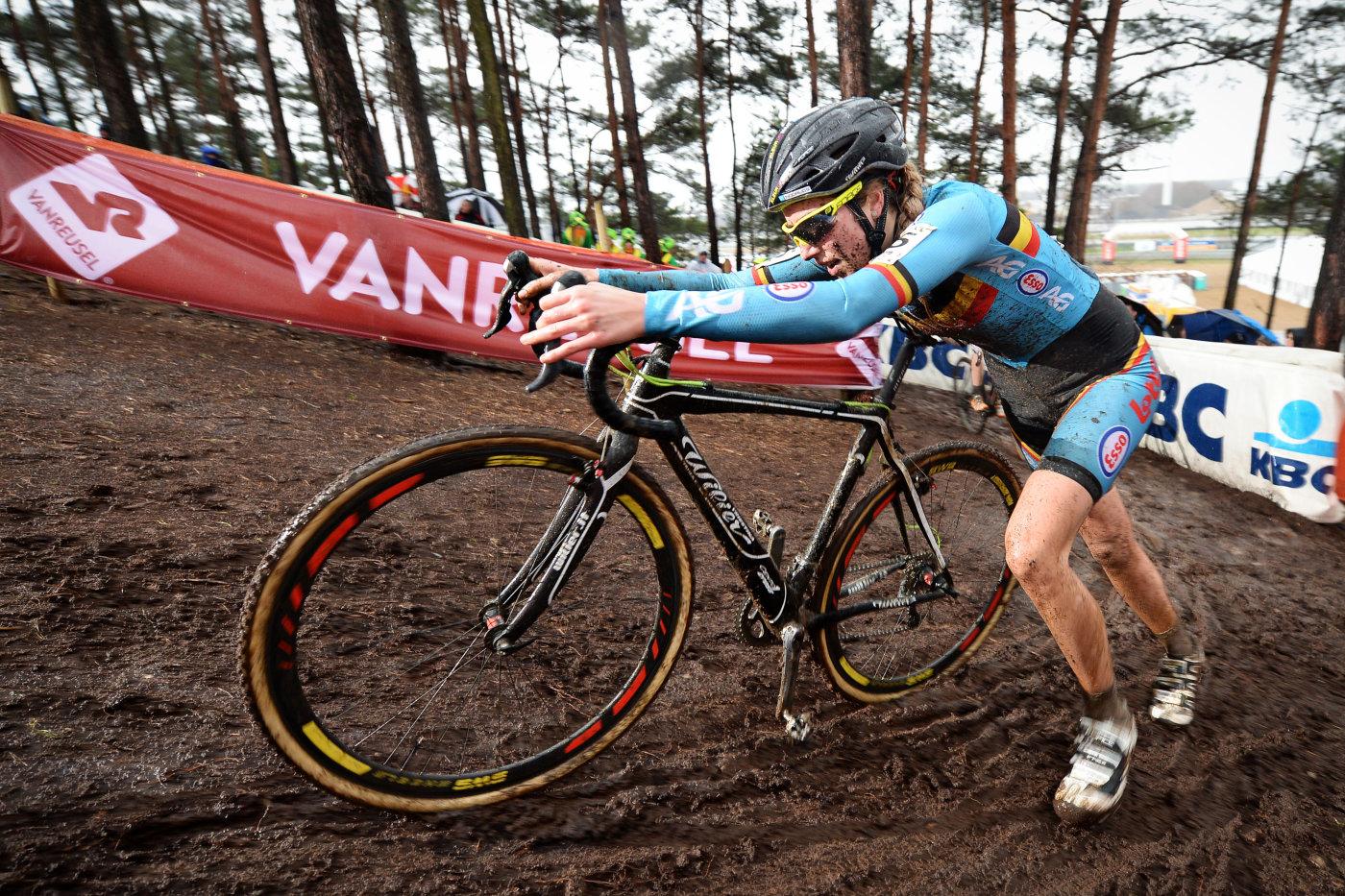 Известную спортсменку, в велосипеде которой нашли скрытый электромотор, дисквалифицировали на шесть лет - 2