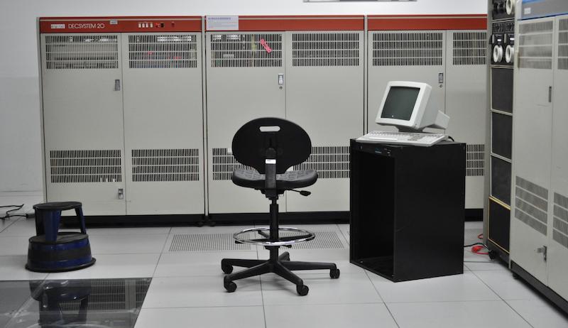 Мини-компьютеры компании DEC — семейство PDP - 18