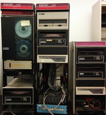 Мини-компьютеры компании DEC — семейство PDP - 22