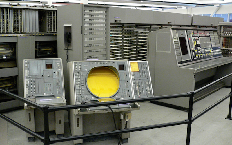 Мини-компьютеры компании DEC — семейство PDP - 1