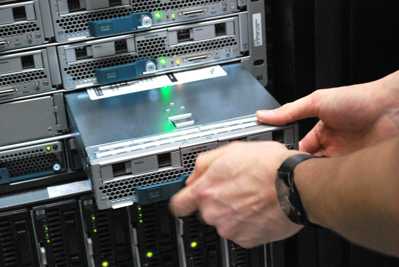Как дата-центры меняются прямо сейчас: Энергоэффективность, хранение данных и «облака» - 1