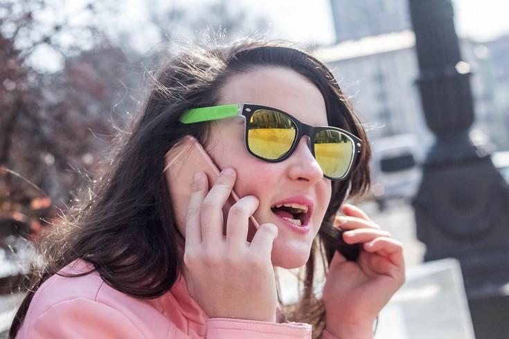 Мобильные телефоны не способствуют развитию рака мозга, если верить австралийским учёным