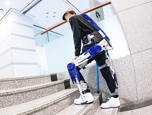 Экзоскелет Hyundai, построенный на платформе Lifecaring ExoSkeleton
