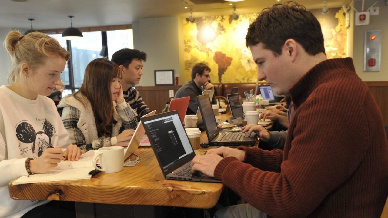 Программирование — это язык между людьми и машинами, которым должен владеть каждый - 1