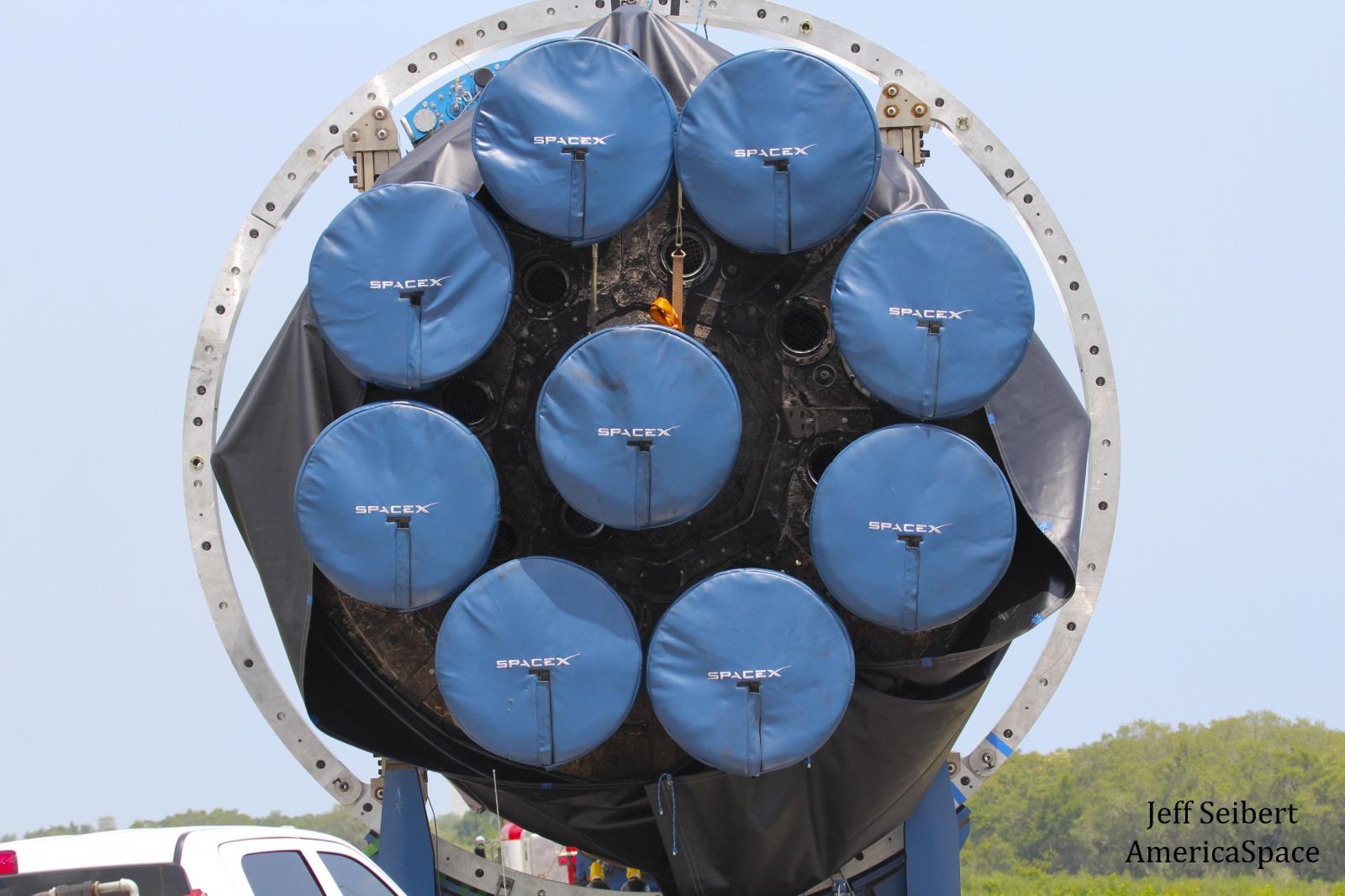 Илон Маск: вернувшуюся в мае первую ступень Falcon 9 больше нельзя запускать в космос - 4