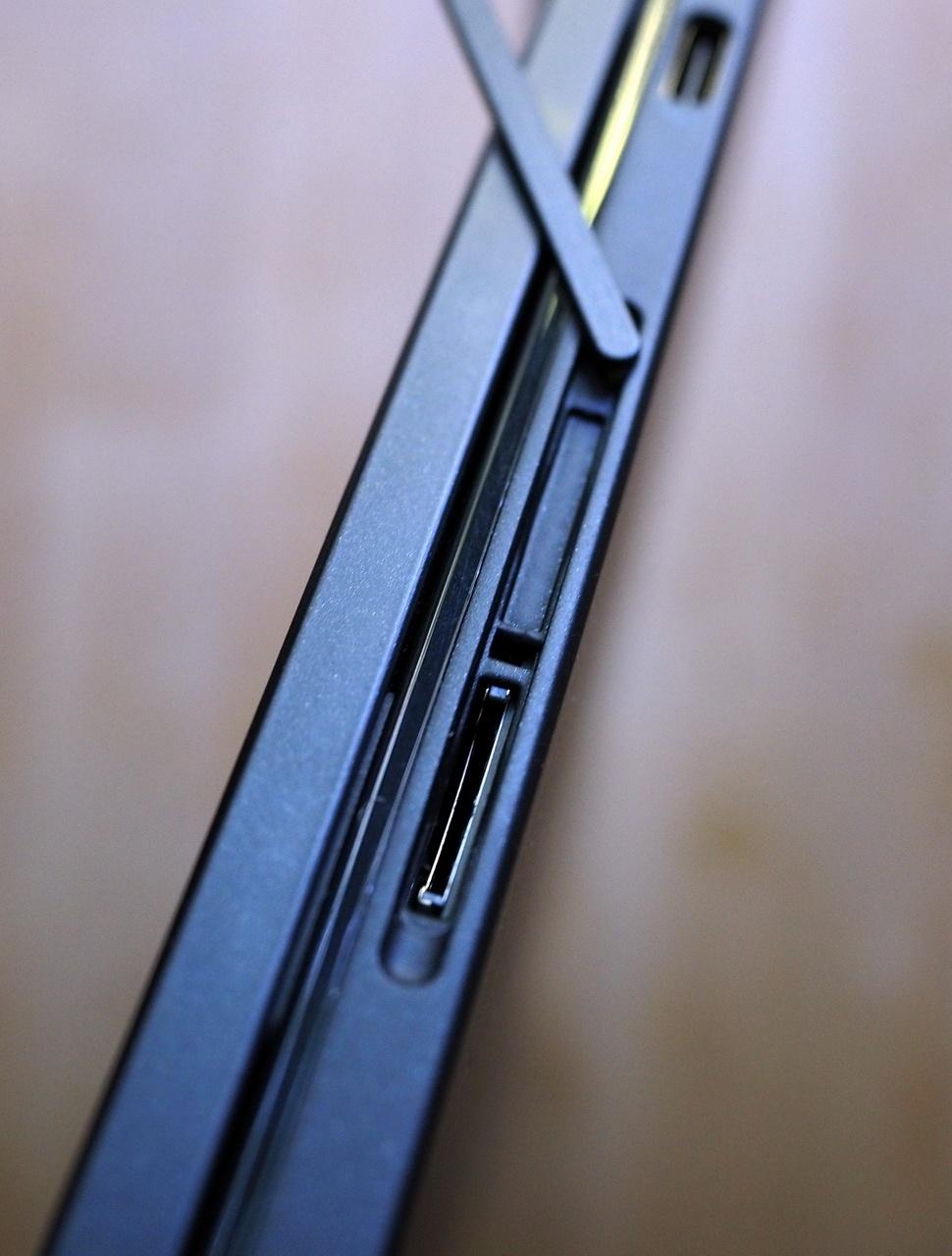 Dell XPS 12: Когда не надо выбирать между ноутбуком и планшетом - 10