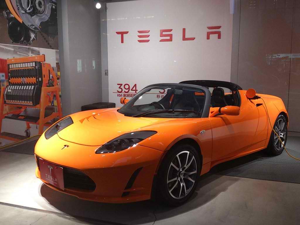 Tesla готовит новый Roadster - 2