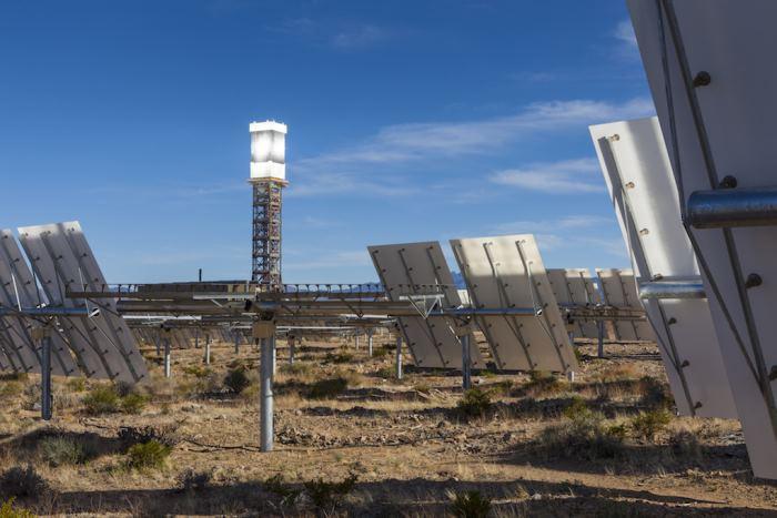 Неправильное позиционирование зеркал привело к пожару на крупнейшей термальной солнечной электростанции США - 6