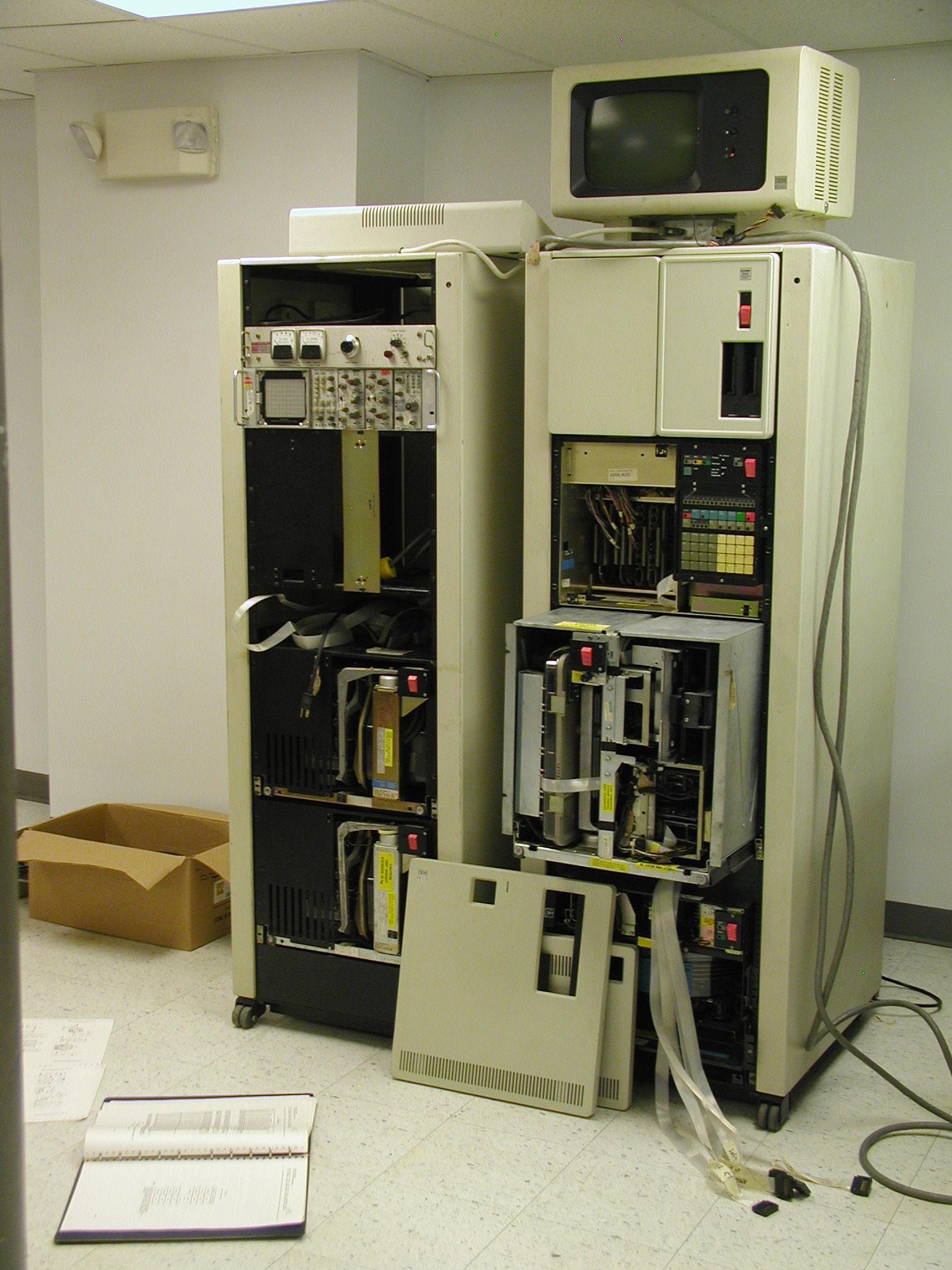 Военные США используют 8-дюймовые гибкие дискеты и компьютеры 70-х годов для управления ядерным арсеналом - 2