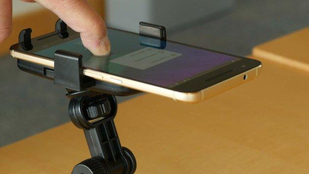 Разработка специалистов университета Мичигана называется ForcePhone
