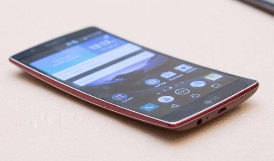 Изогнутый смартфон LG G Flex 3 может выйти в продажу уже в этом году
