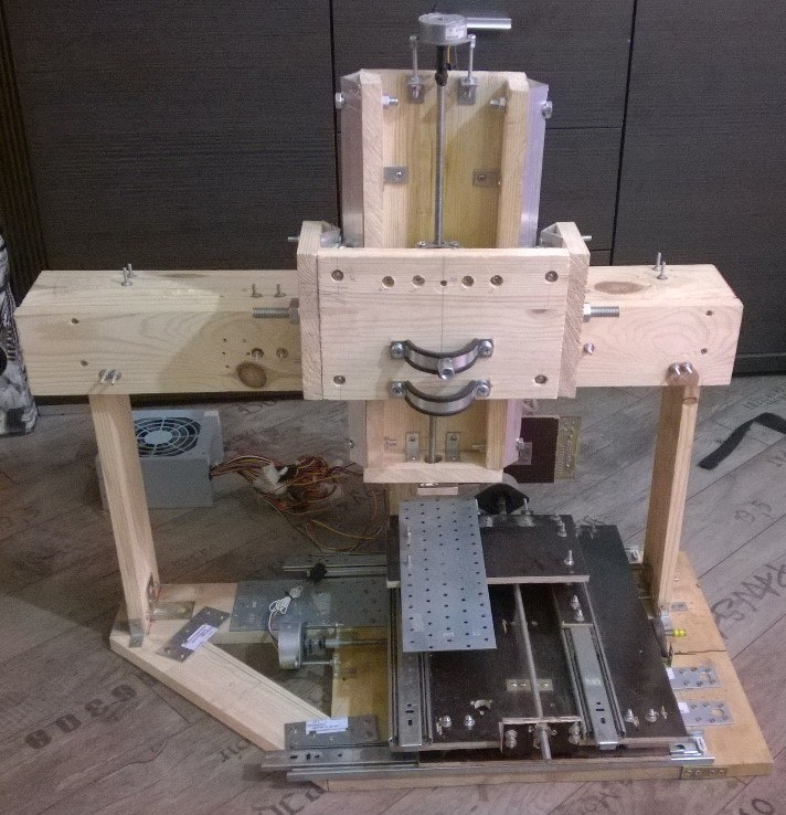 Делаем трехосевой фрезерный станок с число-программным управлением - 1