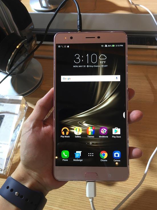 смартфон Asus ZenFone 3 Ultra