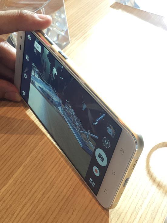 смартфон Asus ZenFone 3