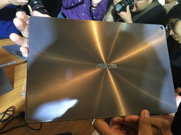 Представлены планшетные ПК Asus Transformer 3, Pro и Mini (фото с Computex 2016)