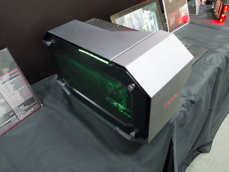 Шасси PowerColor Devil Box подключается к хосту по интерфейсу Thunderbolt 3