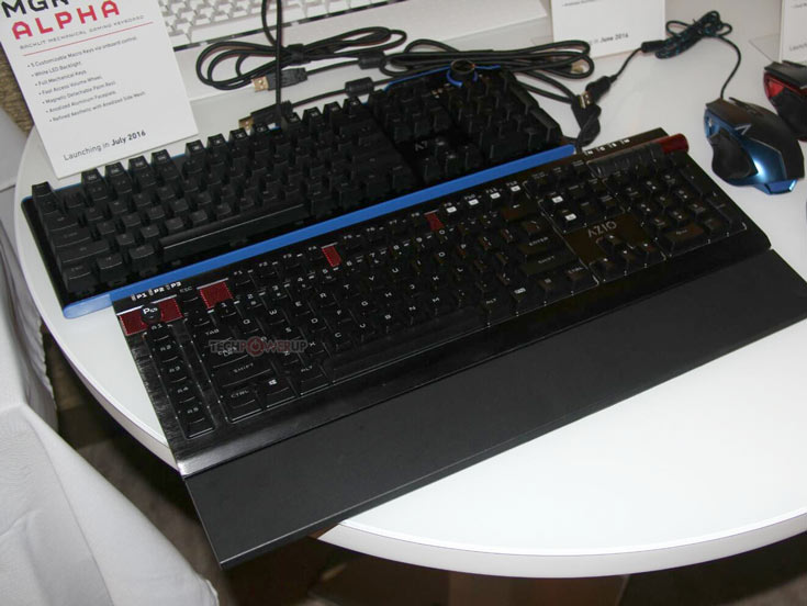 Механическая клавиатура AZiO MGK Alpha подключается к компьютеру по USB