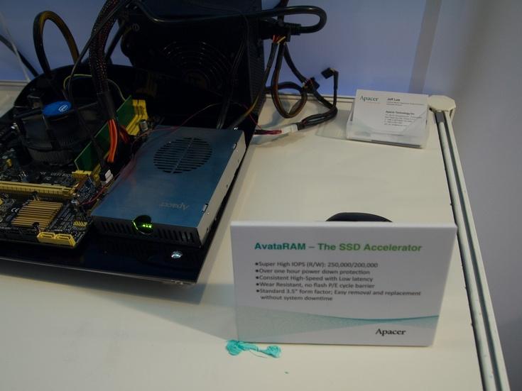 Apacer представила на Computex 2016 устройство AvataRAM, предназначенное для ускорения ПК
