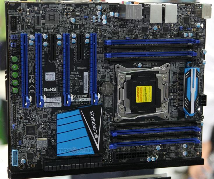 На плате Supermicro C7X99-OCE установлено восемь слотов для модулей памяти