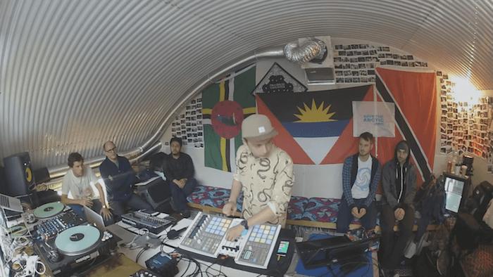 Электронная музыка вживую: Как преподносят свои выступления музыканты-электронщики - 6