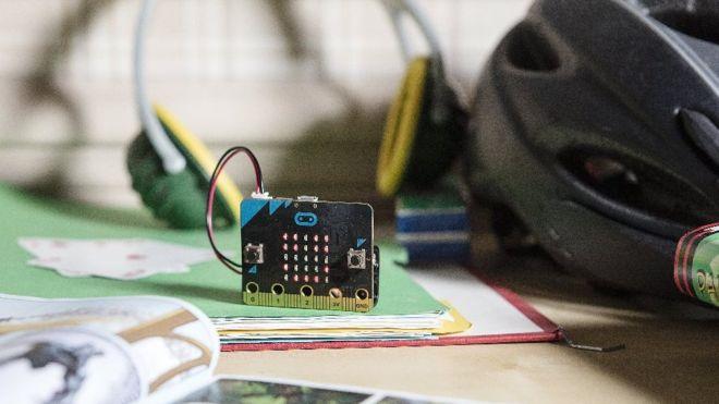 Микрокомпьютер micro:bit от BBC уже можно купить - 1
