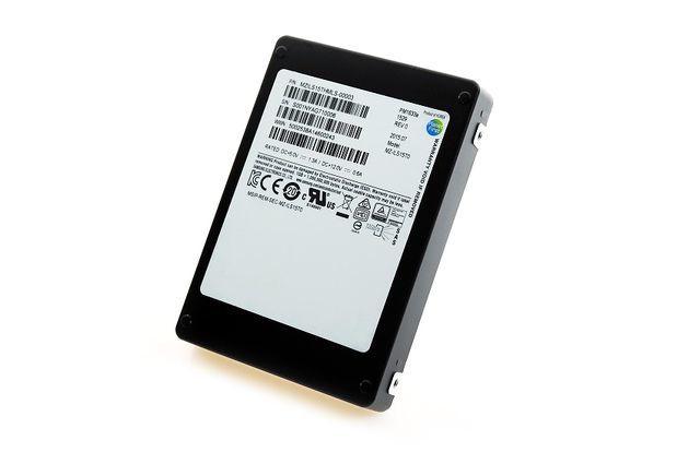Новые SSD от Samsung емкостью в 512 ГБ по размеру не превышают почтовую марку - 4