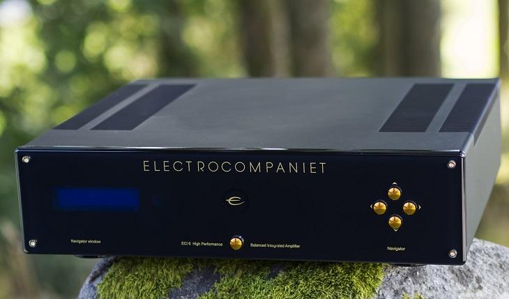 Electrocompaniet ECI 6DS оснащен беспроводным адаптером и поддерживает стриминг из локальной сети