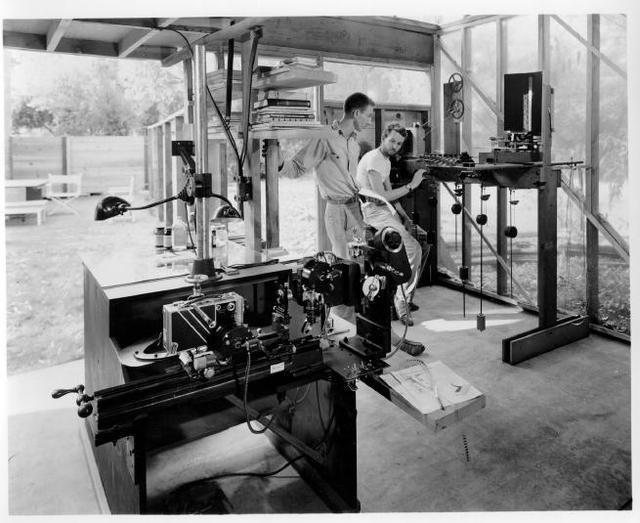 Джон Уитни как пионер компьютерной графики и IBM 2250 как инструмент создания компьютерных видеоэффектов - 1