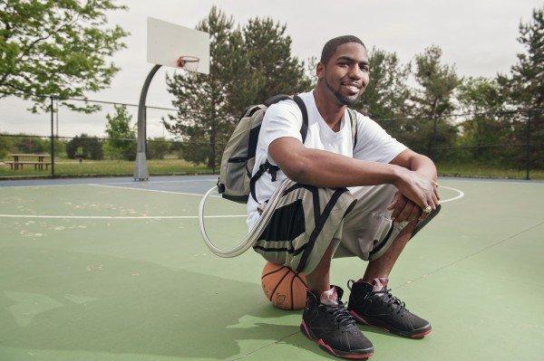 25-летний парень больше года прожил с искусственным сердцем в рюкзаке - 1