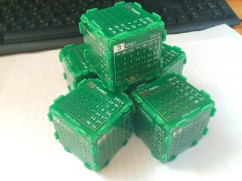 PCB Cube — настольный календарь или абсолютно нежизнеспособная идея - 16