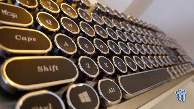 Механическая клавиатура AZiO MK-OS-01 напоминает печатную машинку