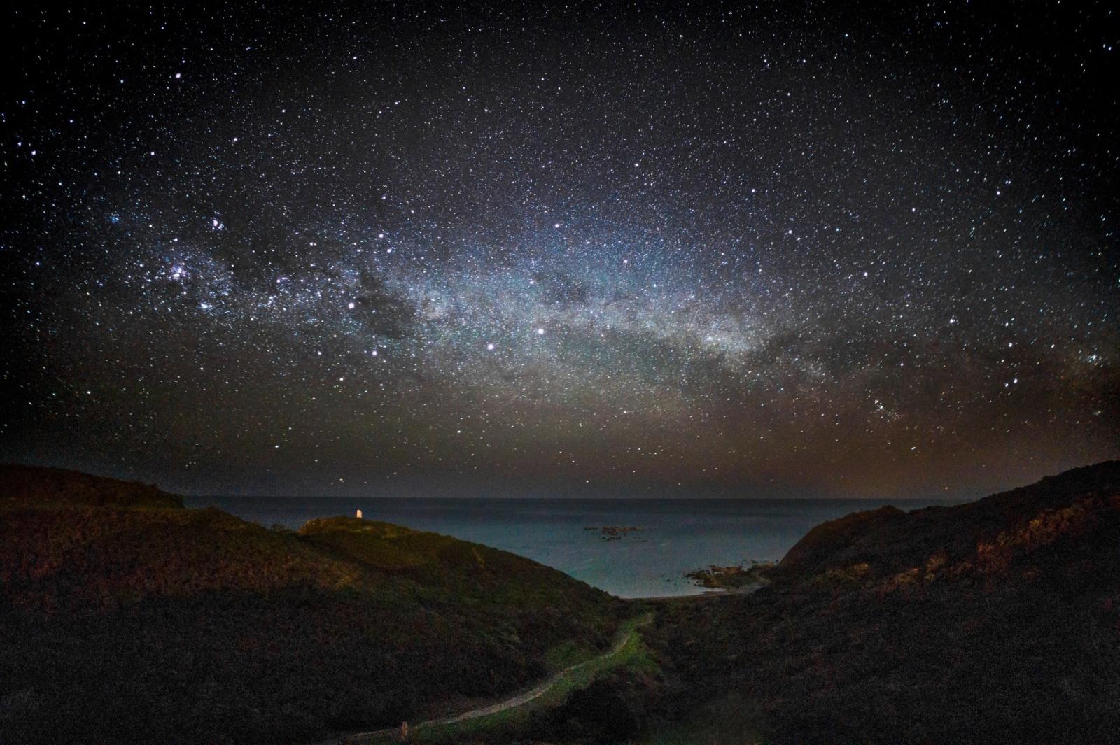 Выросли поколения людей, которые не видели Млечный Путь - 1