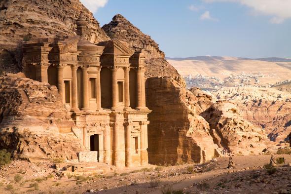 Археологи обнаружили неизвестное ранее древнее сооружение в Иордании благодаря спутниковым снимкам и дронам - 2