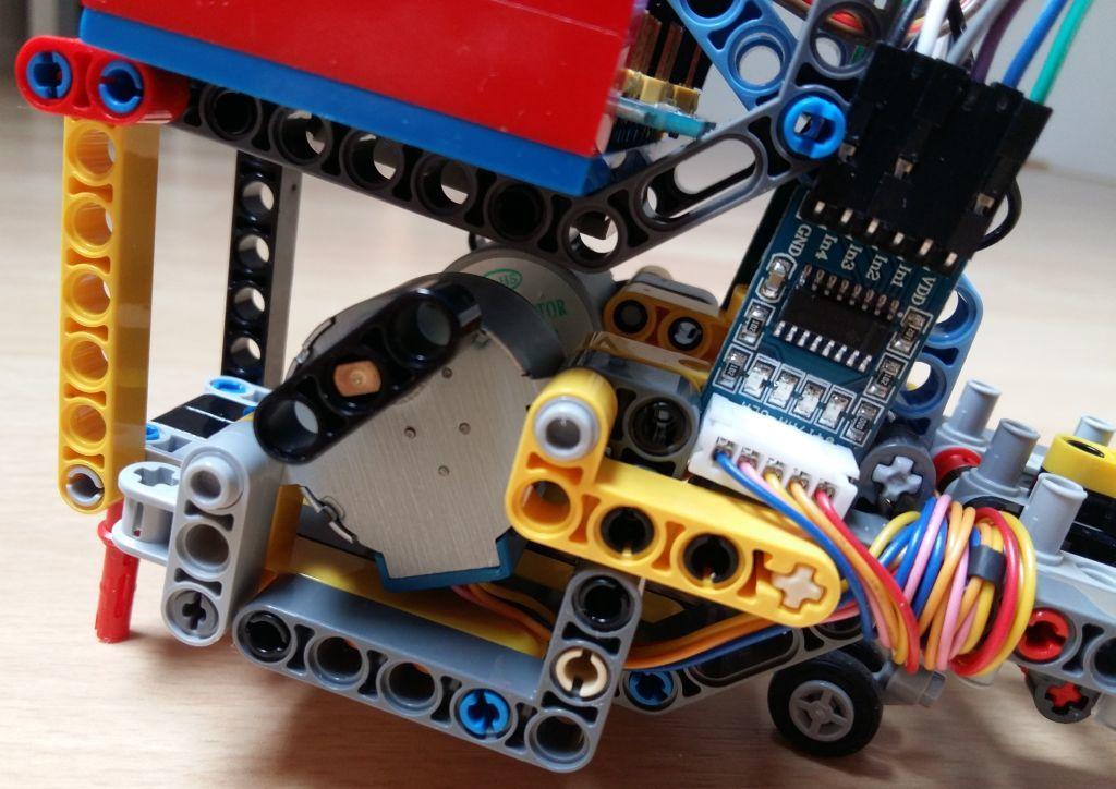 Женим Ардуино с Лего и строим первобота - 4