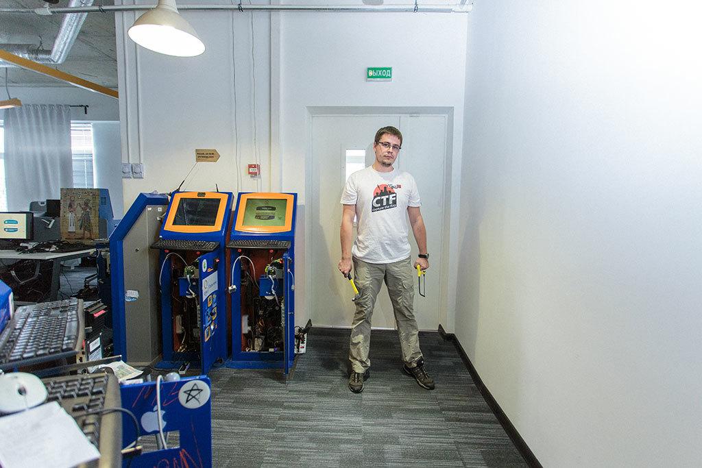 Кирилл «isox» Ермаков, главный безопасник QIWI, рассказывает о своей работе, о блеке, об анонимности и о взрослой ИБ - 3