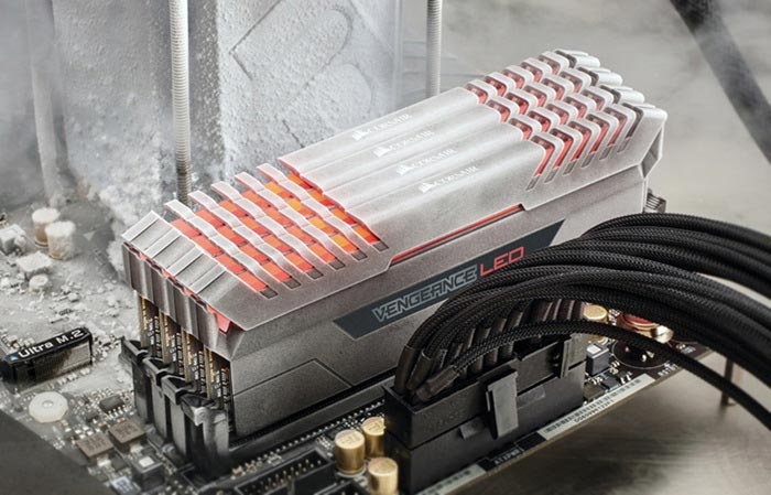 Модули памяти Corsair Vengeance LED DDR4 ориентированы на компьютерных энтузиастов