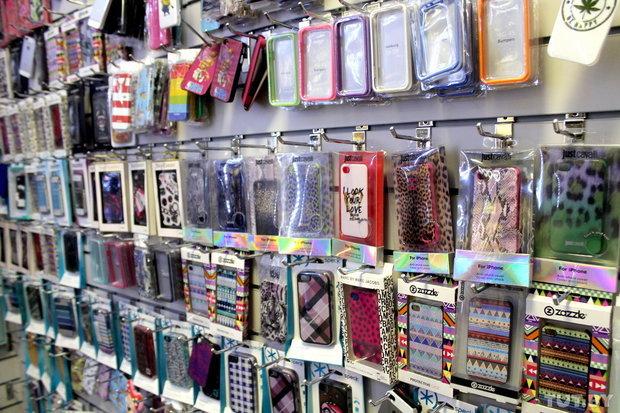 Российские продавцы бьют тревогу: в зарубежных интернет-магазинах товары дешевле - 1
