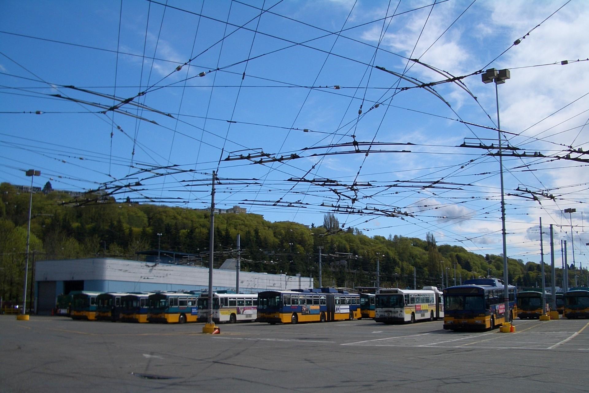 Швеция открыла электрическое шоссе длиной 2 км для грузовиков - 4