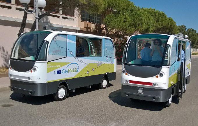 36 проектов беспилотных автомобилей - 33