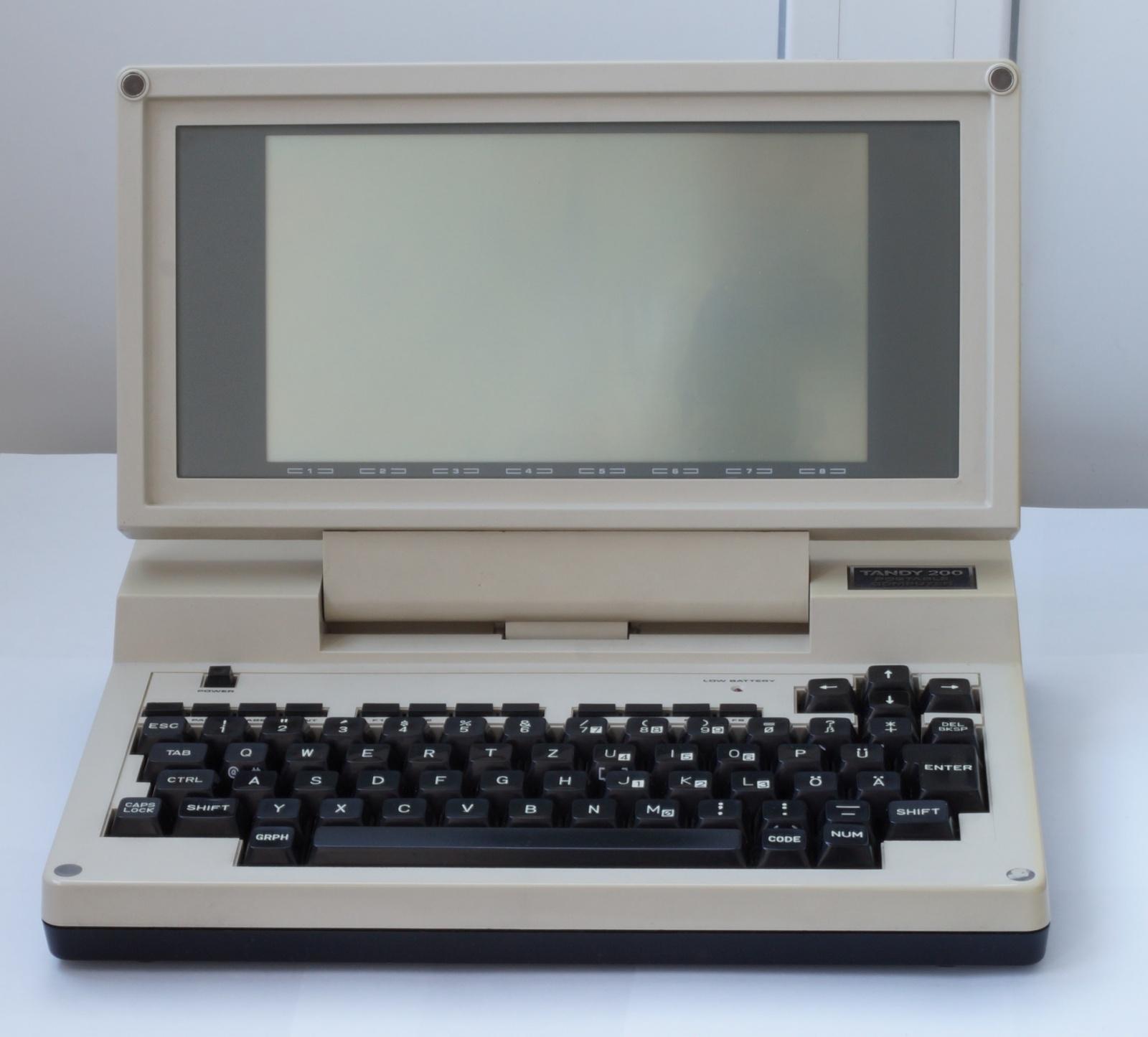 Ноутбук Tandy TRS-80 model 200 - 1