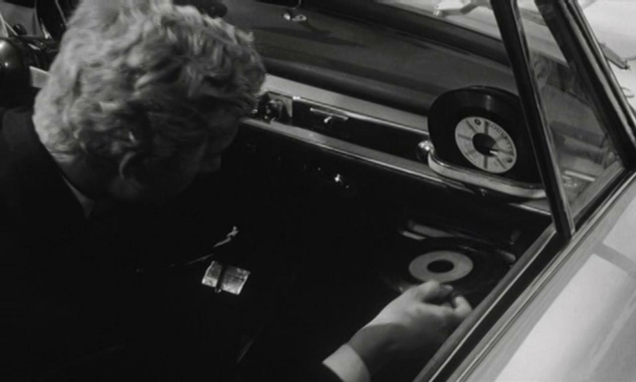 Highway Hi-Fi: первый в мире виниловый музыкальный центр для автомобиля от Chrysler - 4