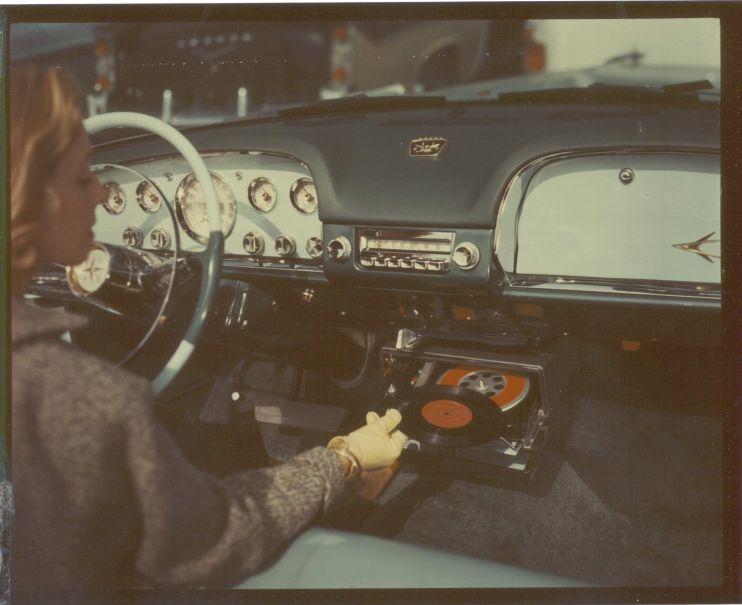 Highway Hi-Fi: первый в мире виниловый музыкальный центр для автомобиля от Chrysler - 5