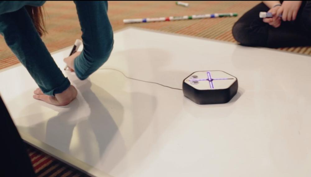 Root — робот который помогает детям учить программирование - 6