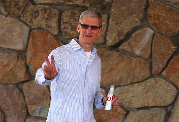Тим Кук стал главным независимым директором Nike