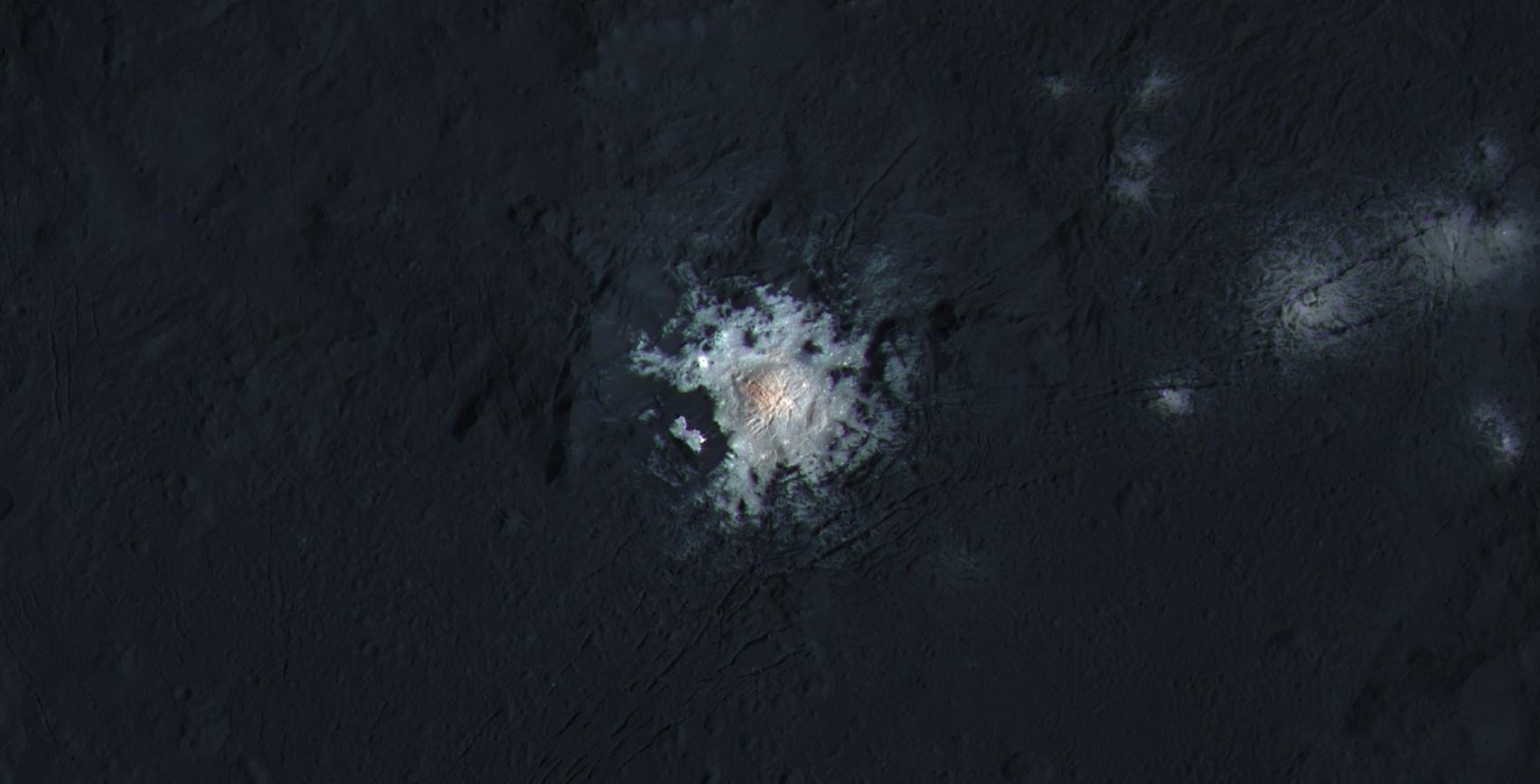 Конец основной миссии зонда Dawn. Аппарат остается у Цереры навсегда - 2