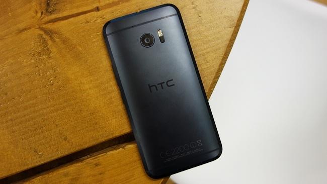 В этом году продажи смартфона HTC 10 ожидаются на уровне одного миллиона единиц