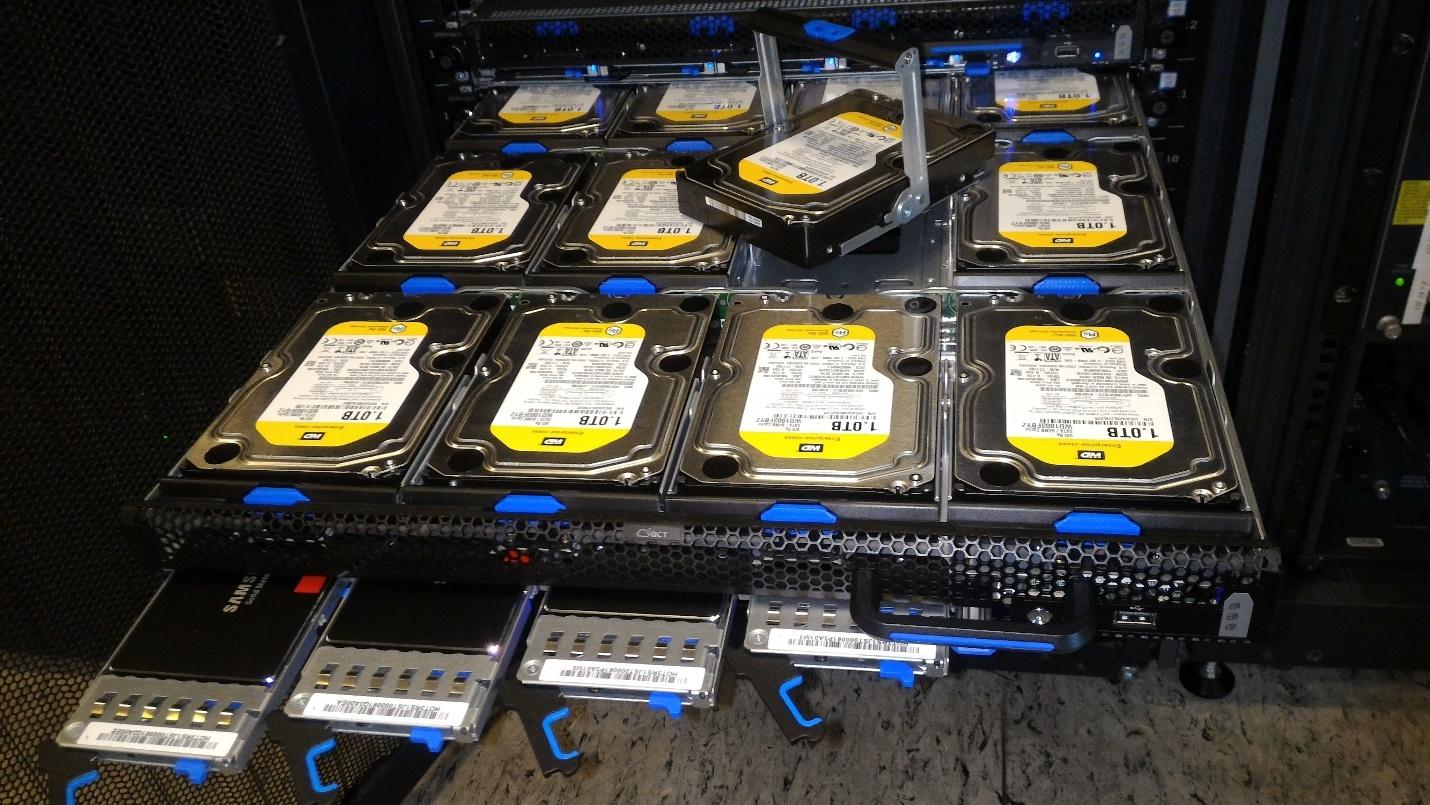 Обзор серверов Quantа: интересные решения, blade-корзины размером со стойку, ульи микросерверов и HPC-фермы - 12