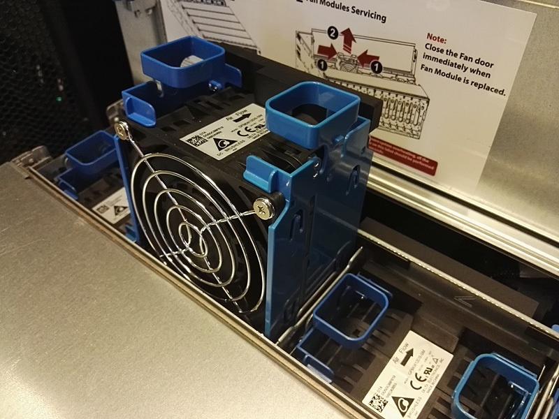 Обзор серверов Quantа: интересные решения, blade-корзины размером со стойку, ульи микросерверов и HPC-фермы - 5