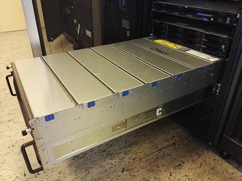 Обзор серверов Quantа: интересные решения, blade-корзины размером со стойку, ульи микросерверов и HPC-фермы - 6